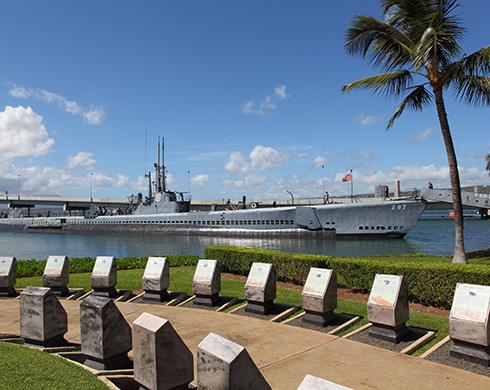 Military ships in Pearl Harbour